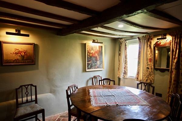 Pond Cottage dining room