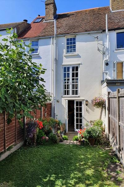 Writers Cottage Deal Kent garden
